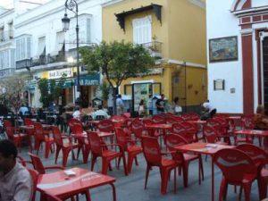"""Plaza San Roque """"ocupada"""" totalmente el verano pasado."""
